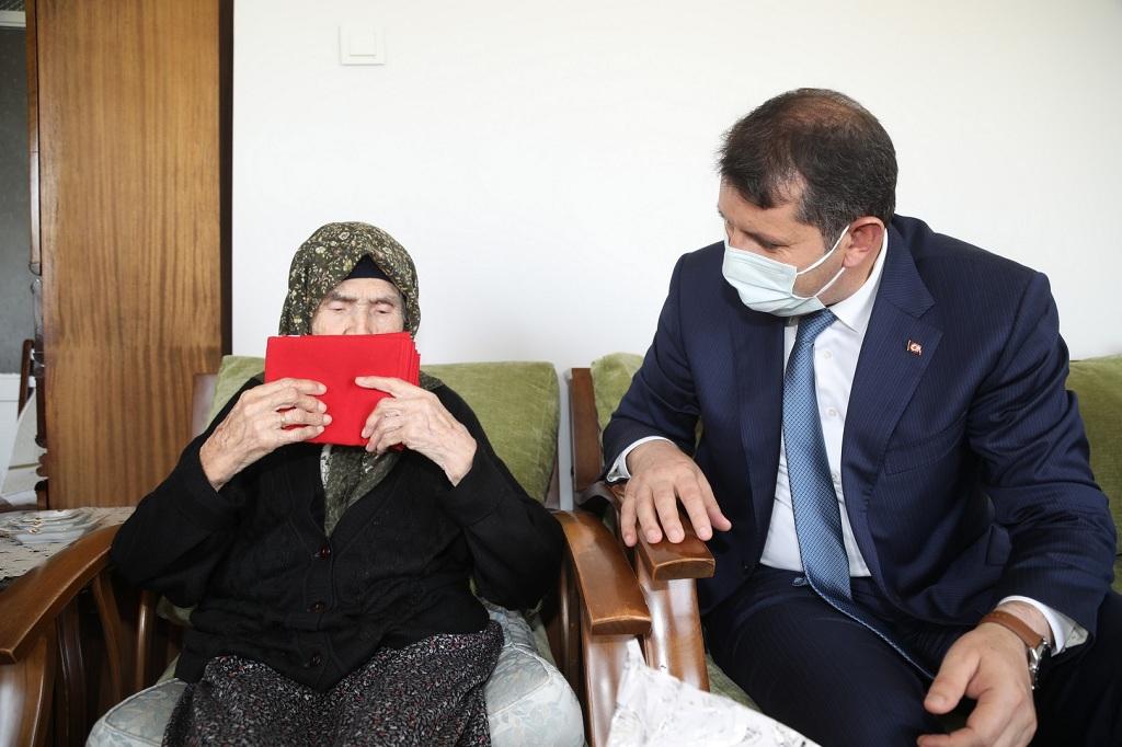 Cumhuriyet'in 97. Yıldönümünde Ulu Çınarlar Unutulmadı