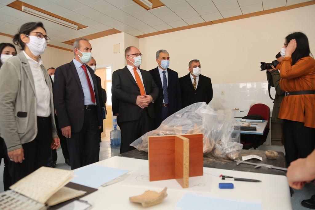 Üç Selçuklu Sarayından İlki Sivas'ta Olabilir