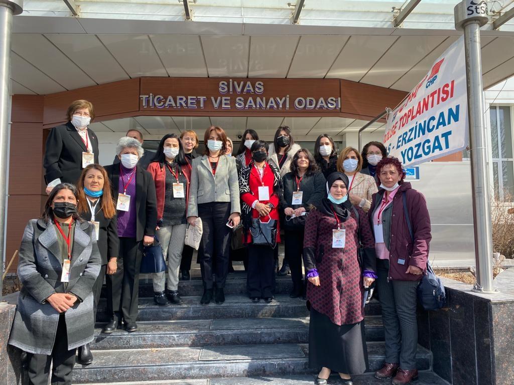 Cumhuriyet Halk Partisi Genel Merkezinin düzenlediği bölge toplantılarının üçüncüsü Sivas'ta yapıldı