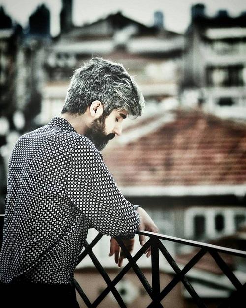 """Manuş Baba; """"Aşkın Kederi"""" adlı single çalışmasıyla dijital platformlarda yerini aldı."""