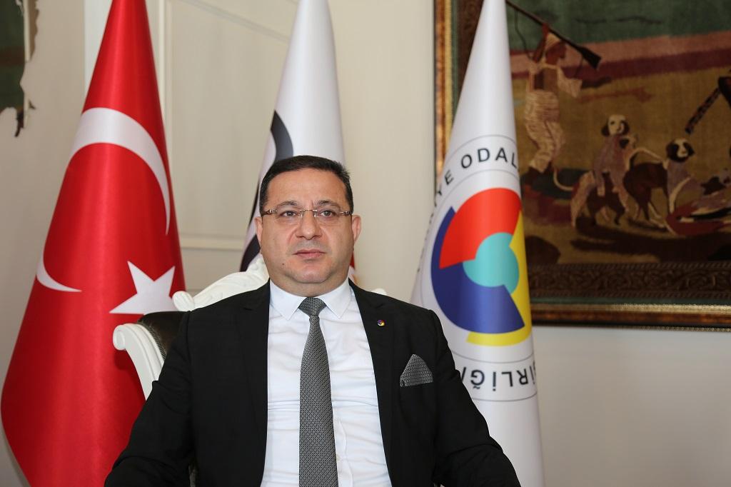 Sivas Ticaret ve Sanayi Odası (STSO) Başkanı Mustafa Eken, Kontrollü Normalleşme Sürecinde rehavetin sonuçlarının daha sıkı tedbirler gelmesine neden olabileceğini belirterek, esnafları kurallara uyulması konusunda uyardı