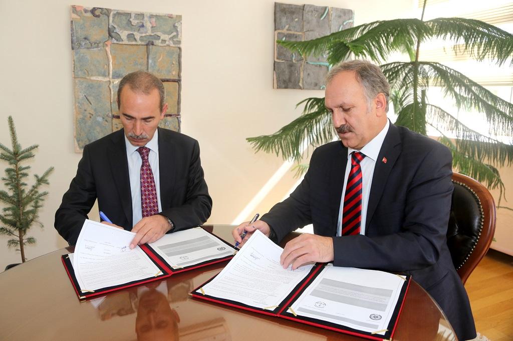 Milli Eğitim ve Cumhuriyet Üniversitesi arası protokol imzalandı