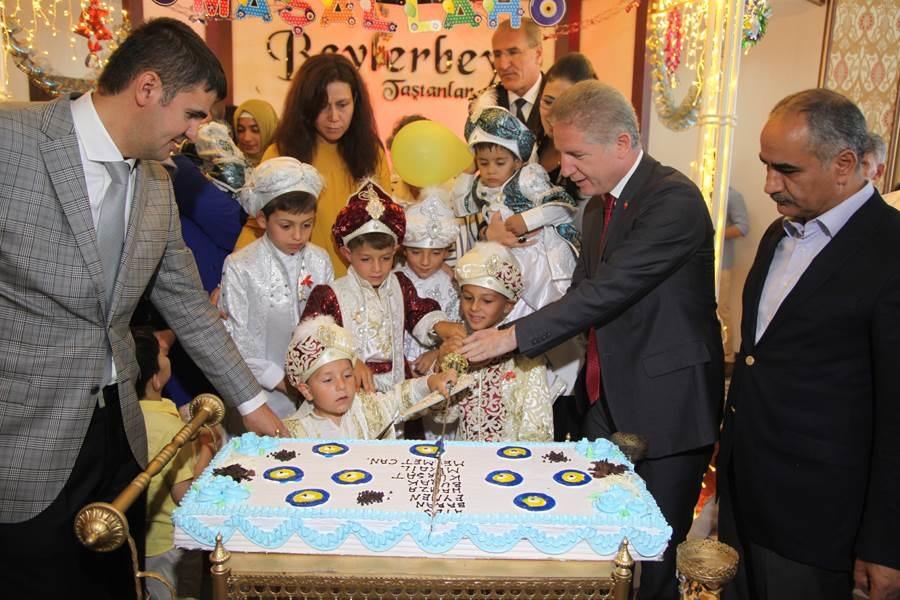 Sevgi Evleri'nde Kalan Çocuklar İçin Sünnet Töreni Düzenlendi