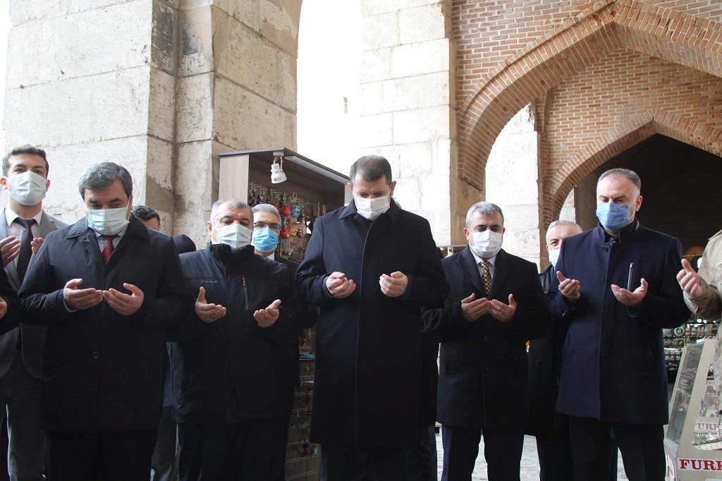 Ölümünün 801. Yılında Selçuklu Sultanı 1. İzzeddin Keykavus Dualarla Anıldı