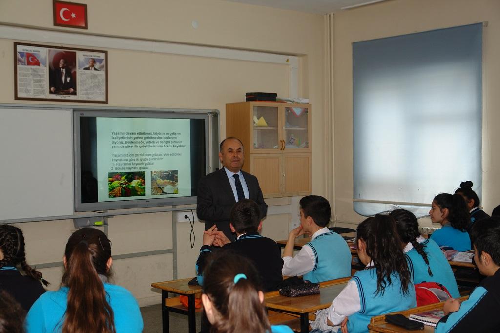 Öğrencilere Gıda Güvenilirliği ve Gıda Hijyeni Eğitimi Verildi