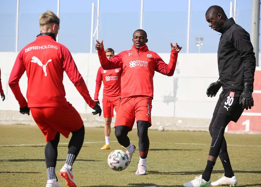 Galatasaray Maçının Hazırlıkları Sürüyor