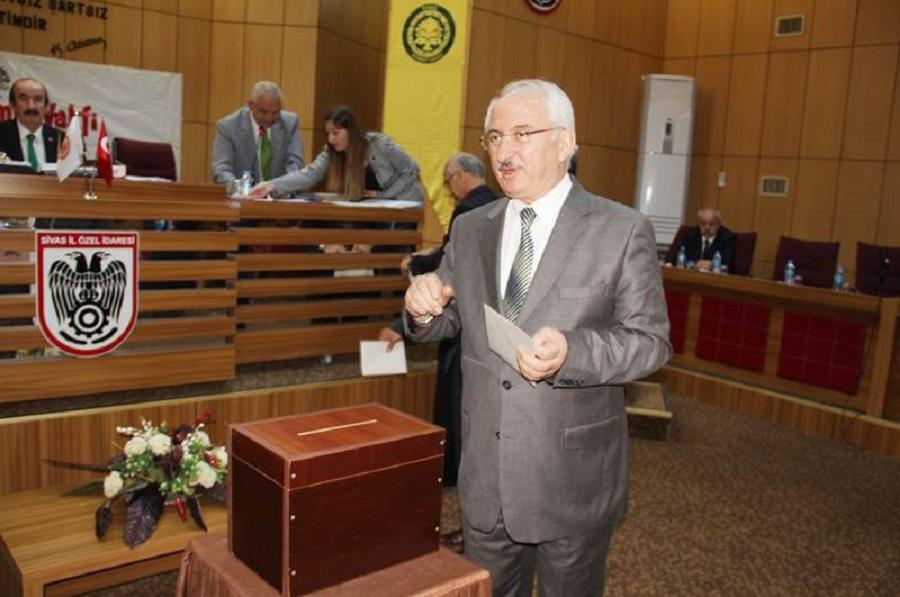 Vali  Âlim BARUT, Sivas Hizmet Vakfı Genel Kurul Toplantısına Katıldı