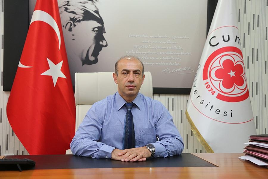 Cumhuriyet Üniversitesi Hastanesi Baş Hekimi  Yılmaz yeni yönetimini oluşturdu