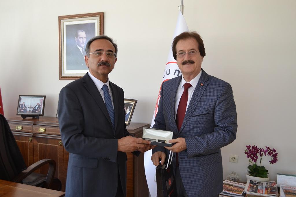 Bölge İdare Mahkemesi Başkanı Merih Dinçer'den Rektörümüze Ziyaret