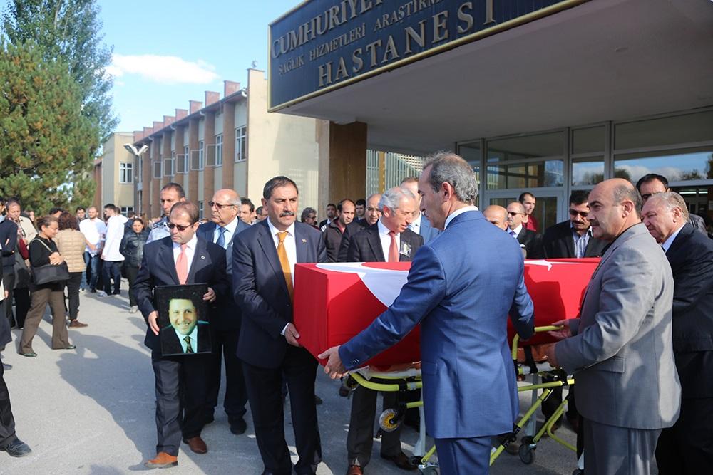 Cumhuriyet Üniversitesi Tıp Fakültesi Öğretim Üyesi Prof. Dr. Yetkin son yolculuğuna uğurlandı