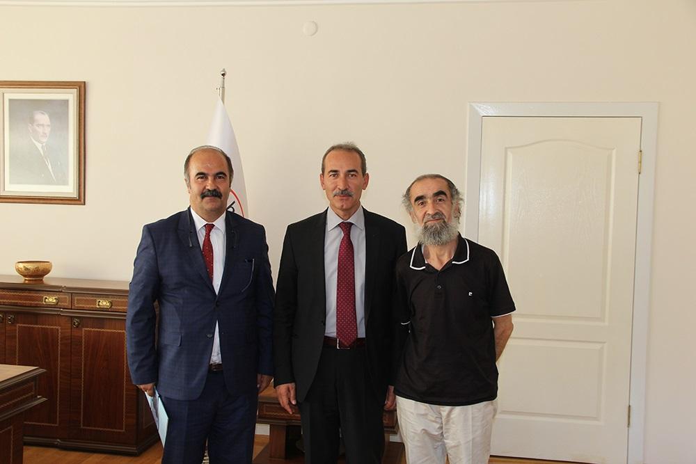Cumhuriyet Üniversitesi Rektörü  Prof. Dr. Alim Yıldız, basın mensupları ile kahvaltıda buluştu