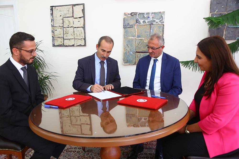 Cumhuriyet Üniversitesi  Kangal MYO İle Kangal Belediyesi arasında protokol imzalandı