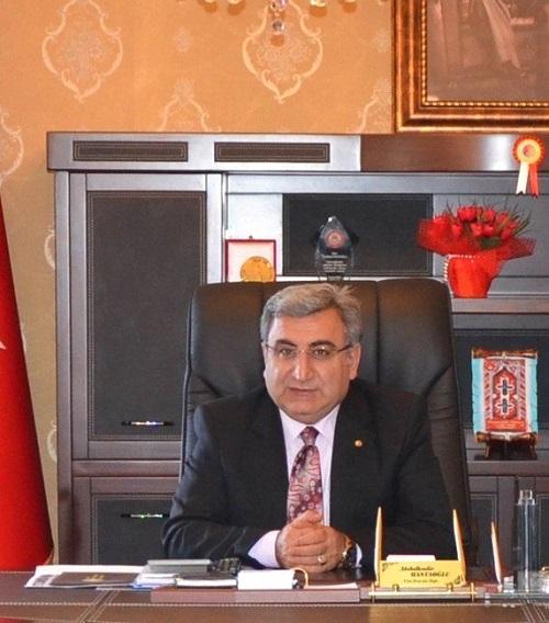 Sivas Ticaret Borsası Başkanı Abdulkadir Hastaoğlu, Berat Kandili dolayısıyla bir mesaj yayınladı.